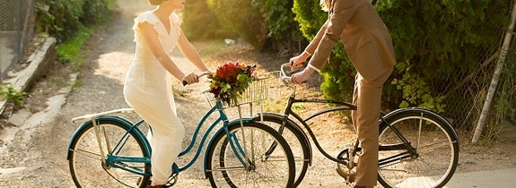 bride-groom-bike-jessica-anderson
