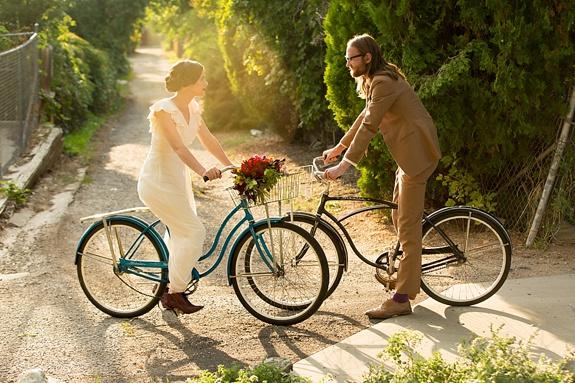 bride-groom-bike-jessica-anderson